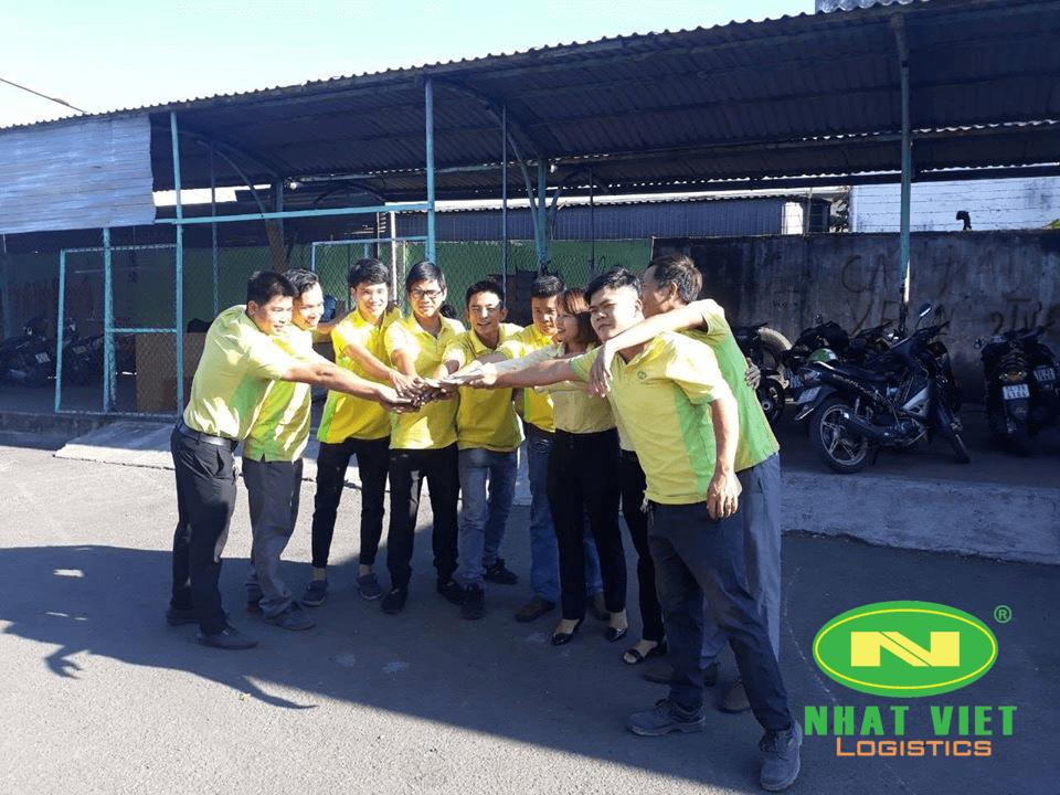 Đội ngủ nhân viên NhatViet Logistics